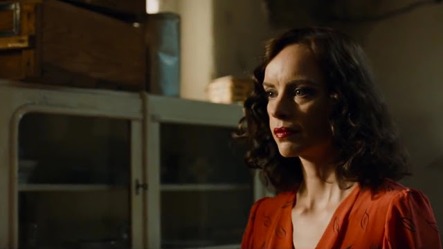 Nina Hoss gives a staggering performance as a woman imitating herself