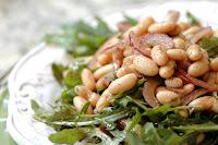 Salada de Feijão Branco e Rúcula (vegana)