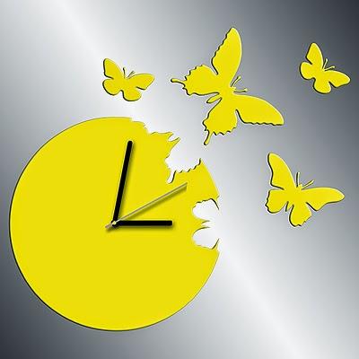 zegar z motylami