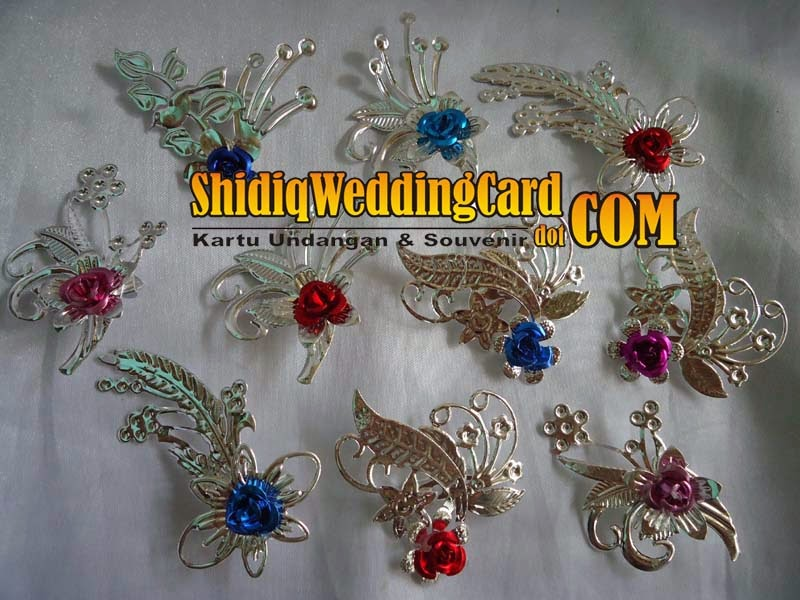 http://www.shidiqweddingcard.com/2014/02/bross-bunga-silver.html