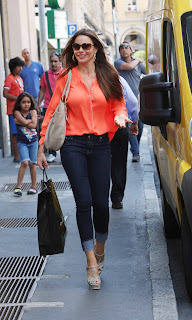 Sofia Vergara out and about Shopping in Italy