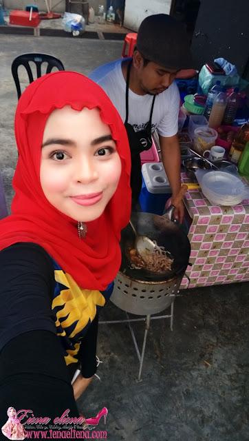 Char Kuey Teow Udang Galah Segar Sedap