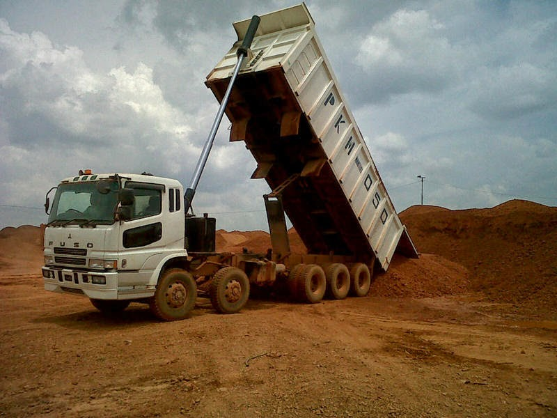 Long Dump-Truck Trinton Tribel