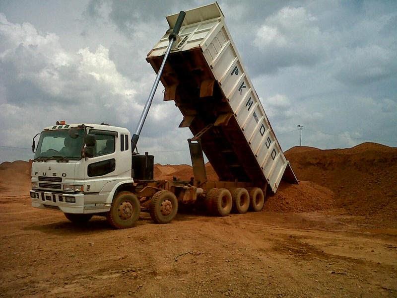 Long Dump-Truck Trinton Tribel
