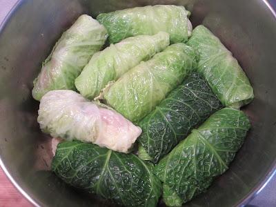 Effortnesslessly: Three Way Stuffed Cabbage Rolls