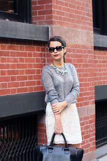 http://1.bp.blogspot.com/-eRCMullokB0/UG5GcXUVlLI/AAAAAAAAEgc/OOnOof0fsGc/s1600/Beaded-Skirt-Street-style-9.jpg