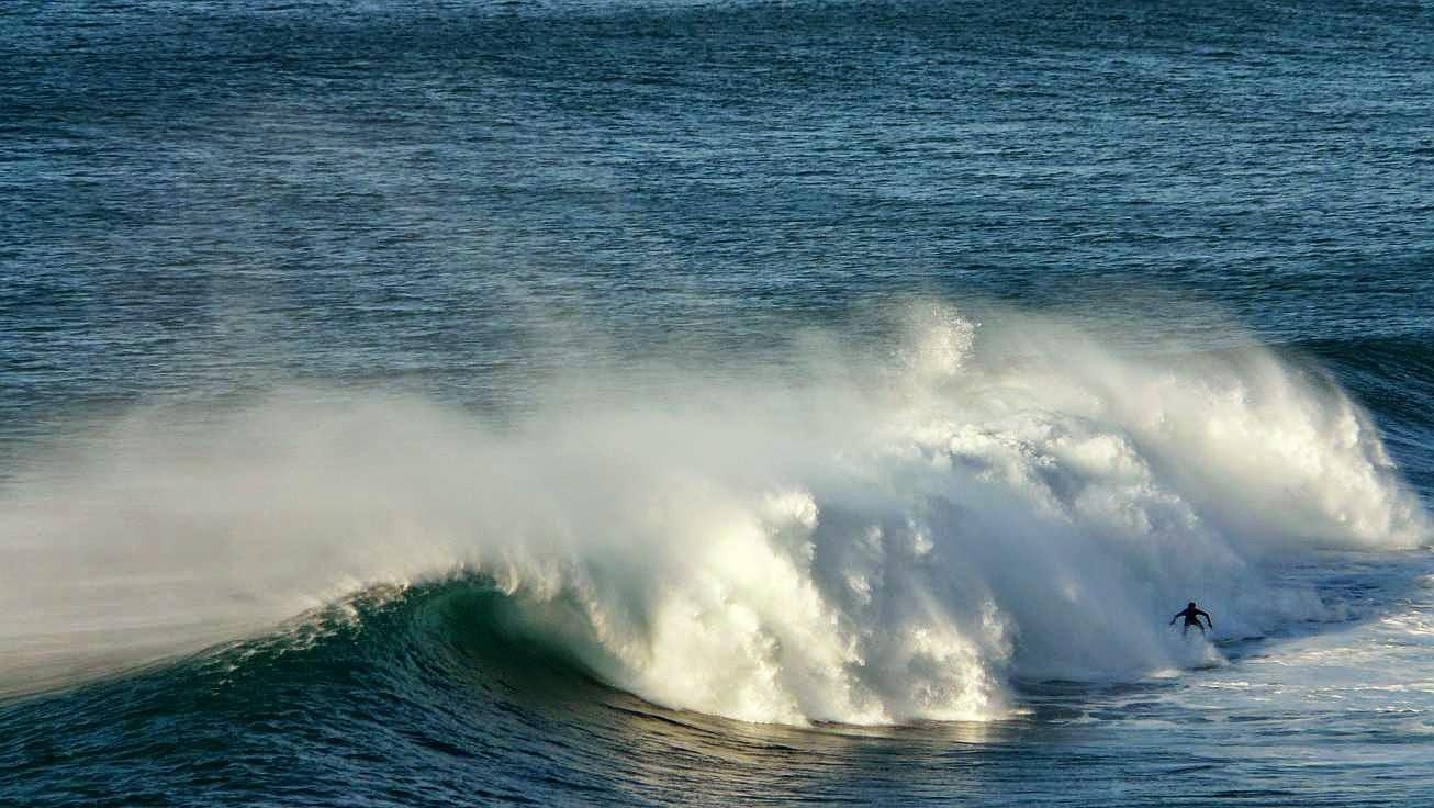 surfing menakoz 43