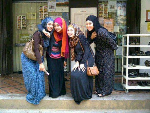 K Fashion And Custom Clothing Malaysian Street Fashion Hijab Style