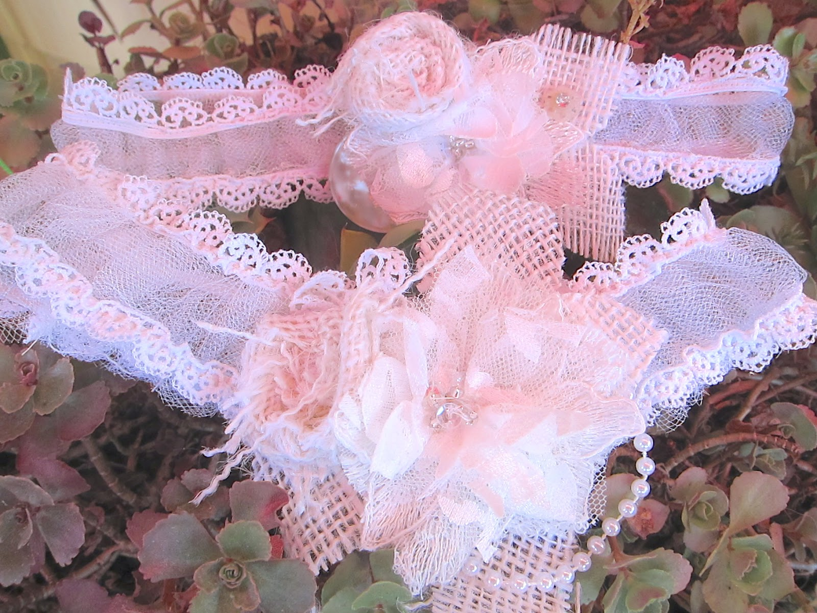 DIY Wedding Garters Grab Your Scraps