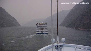 Yangtze River Cruise - Three Gorges Dam to Badong