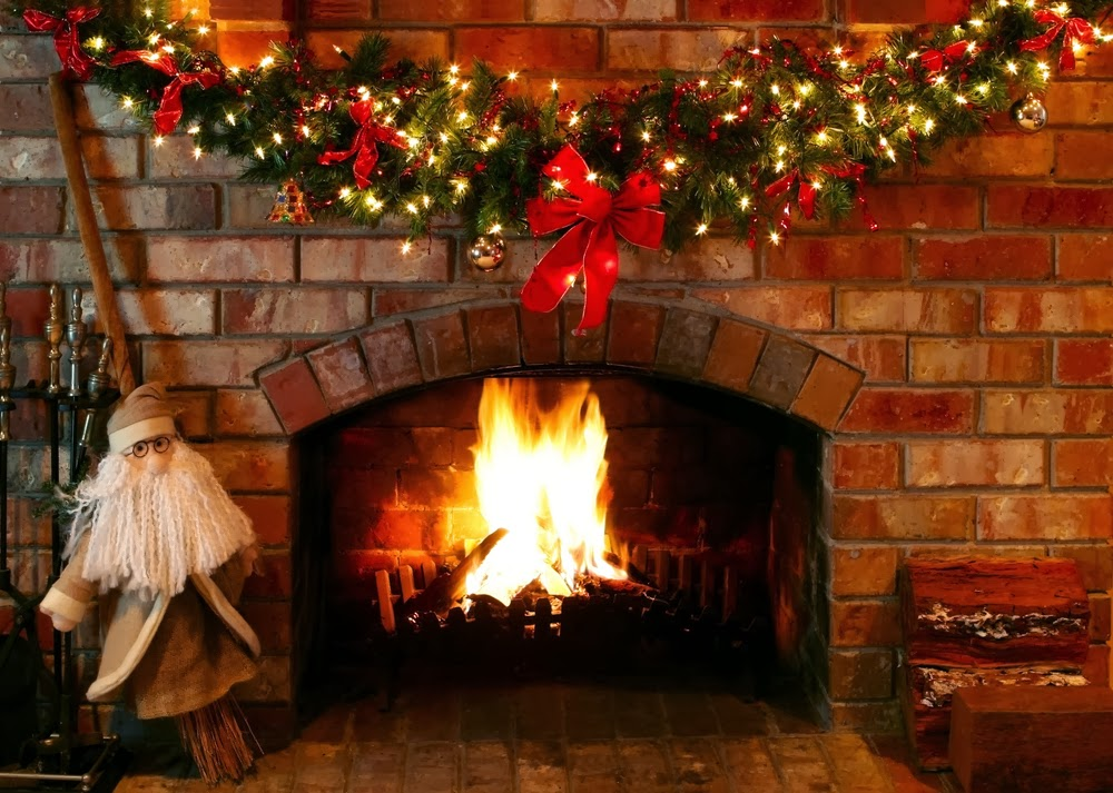 Christmas Decorated Fireplace Screensaver : Shabby in love inspiring christmas fireplace mantel