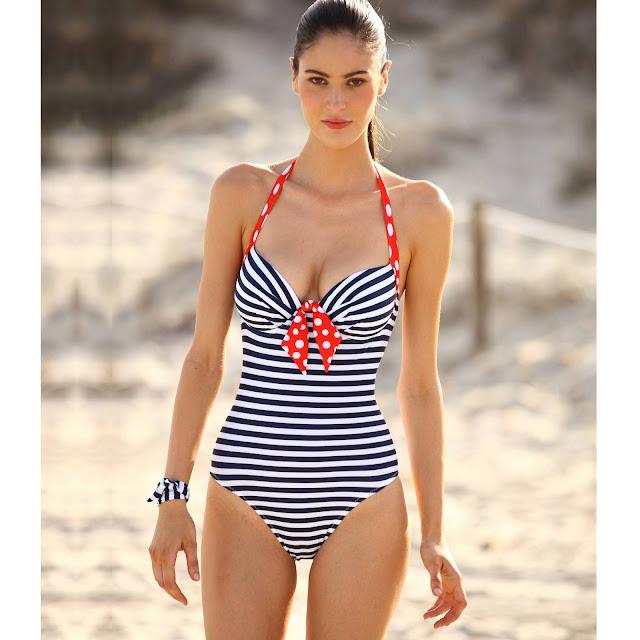 alichipie par ci par l corps cherche maillot de bain avantageux pour se pavaner la plage. Black Bedroom Furniture Sets. Home Design Ideas