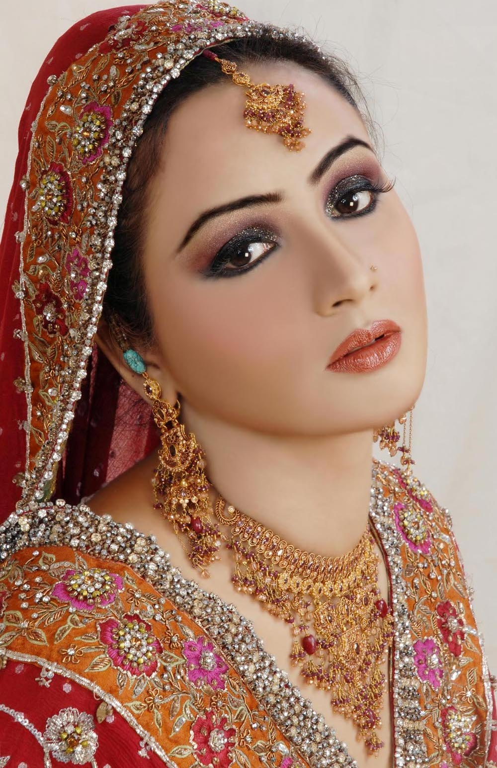 Fashion World Latest Fashion Bridal Make-up Fashion Pakistani Trends.