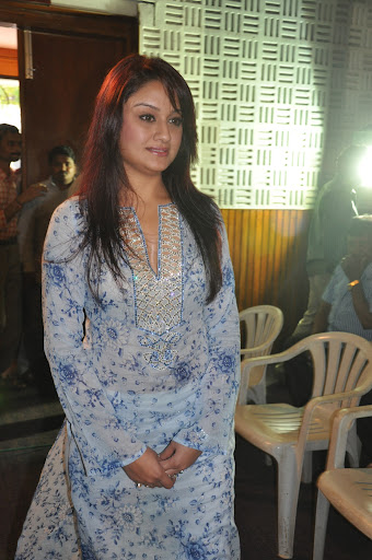 Sonia Agarwal Cute Pictures in Salwar Kameez at Oru Nadigaiyin Vakkumoolam Audio Launch