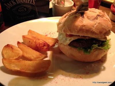 Está Chovendo Hambúrguer - Deli Handmade