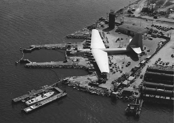 "Howard Hughes' ""Spruce Goose"""