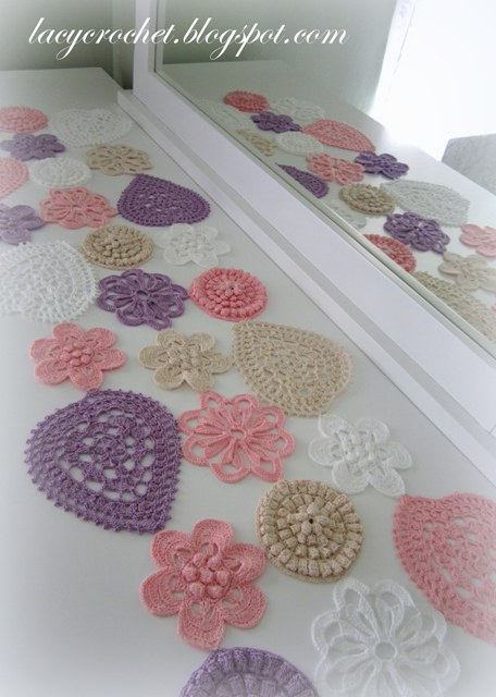 Free Crochet Pattern Flower Table Runner : Lacy Crochet: Hearts and Flowers Table Runner