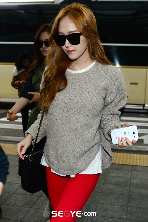 SNSD Di Bandara Incheon 08