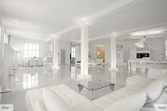 ALL-WHITE INTERIOR DESIGN: CAN YOU HANDLE THAT?