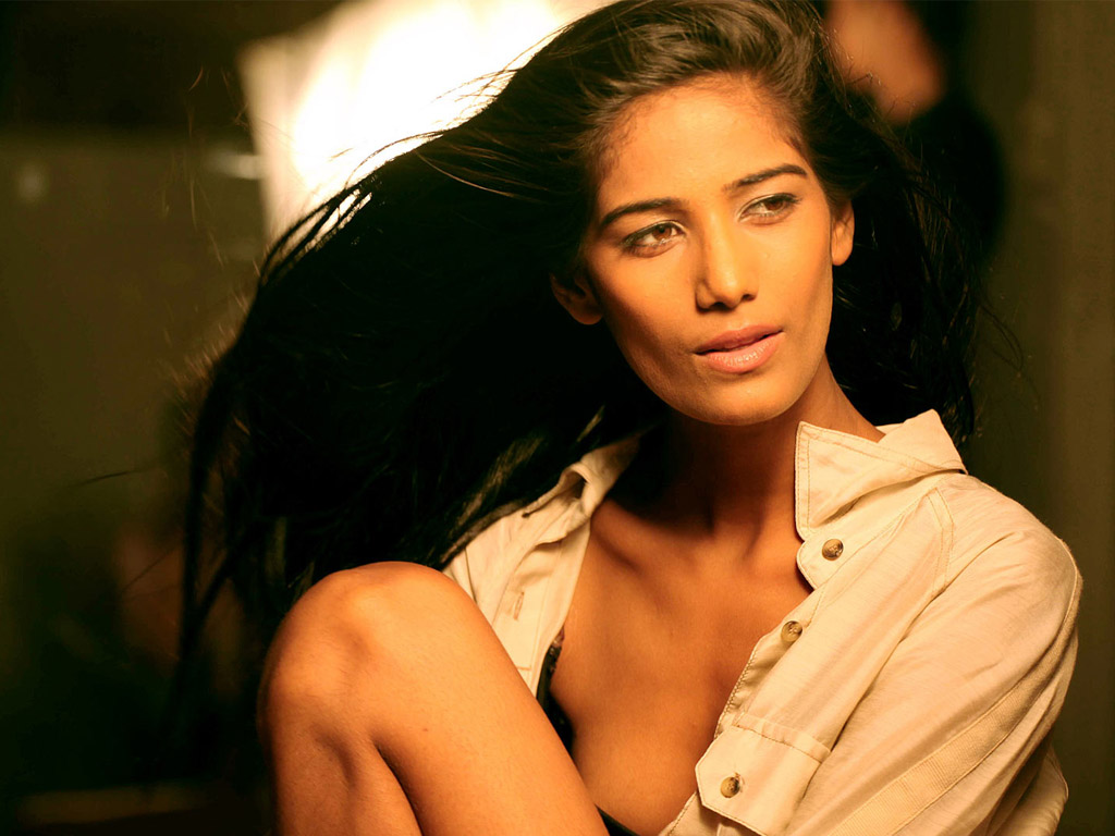 paulbarford heritage the ruth: poonam pandey wallpaper