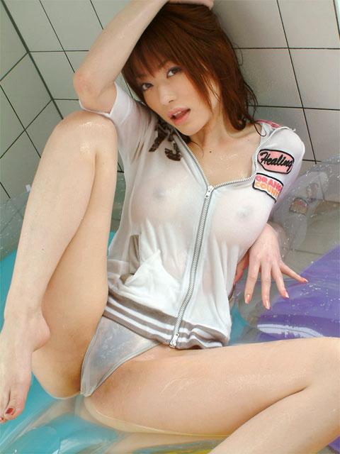 gadis telanjang