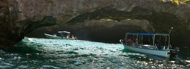 cuevas del la playa escondida de México
