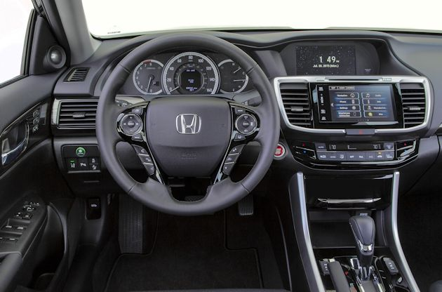 Interior view of 2016 Honda Accord
