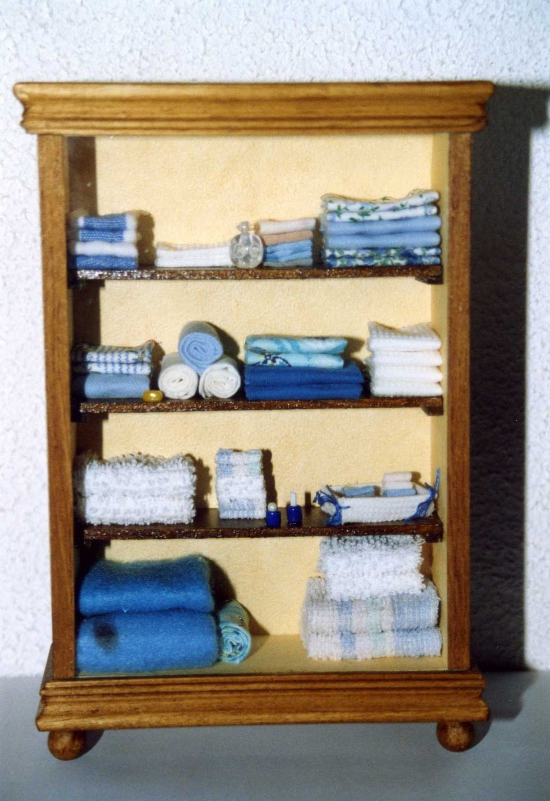 longchamp bricole armoire ling re. Black Bedroom Furniture Sets. Home Design Ideas