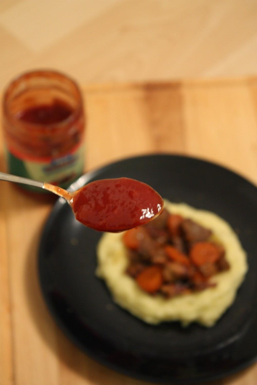 tomaatti-puolukkakastike