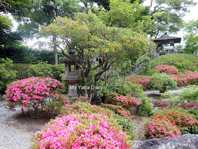 Pond garden at the Yoshikien garden in Nara, Japan