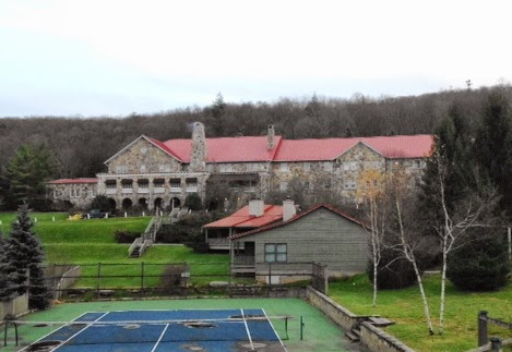 Mountain-Lake-Lodge-Main-Building
