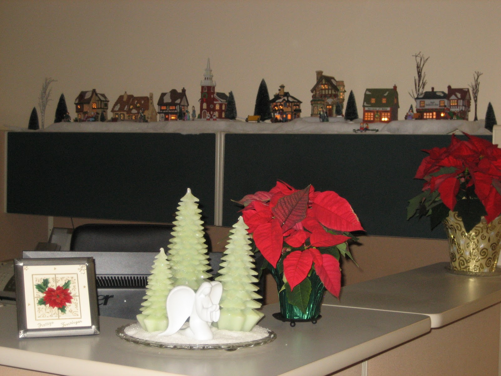 News from DD4s Cottage Christmas Decorations In Our Office ~ 133353_Christmas Decorations For Office Reception Area