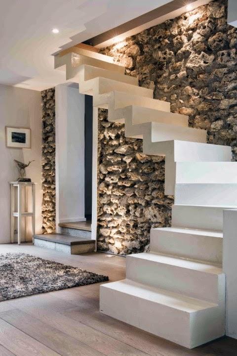 amenager un dessous d escalier elegant amenager un petit espace rangement et deco sous escalier. Black Bedroom Furniture Sets. Home Design Ideas