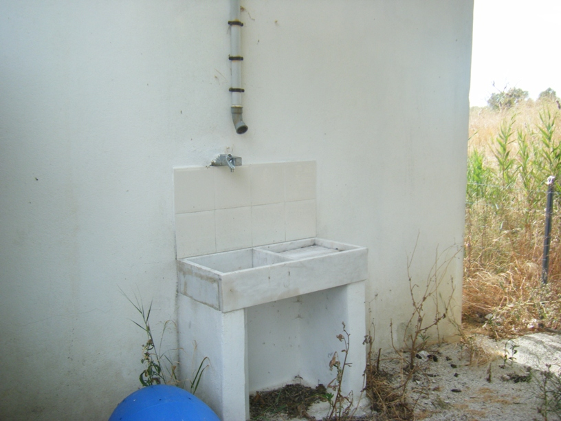 Saída de água, mas degradada