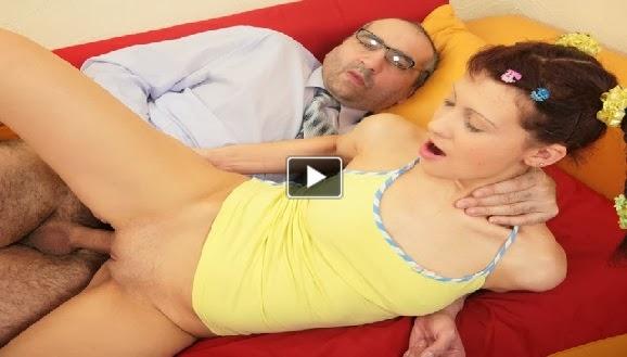 Yaşlı japon erkek genç kızı sikiyor  Sürpriz Porno Hd