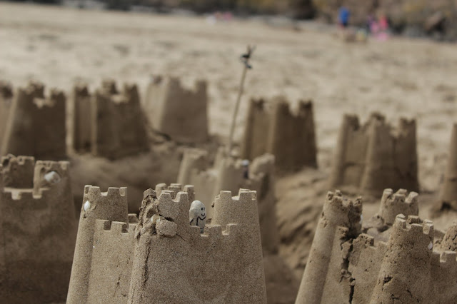 Sandcastle Pebble People // 76sunflowers