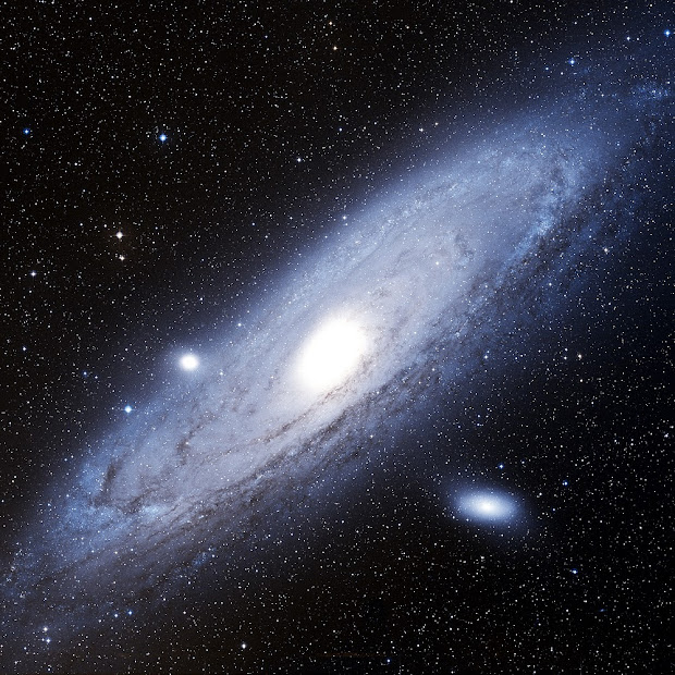 Rare Digital Sky Survey 2 image of M31, the Andromeda Galaxy