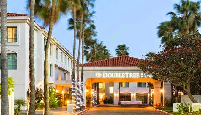 holiday area hotels near front street in san pedro. Black Bedroom Furniture Sets. Home Design Ideas