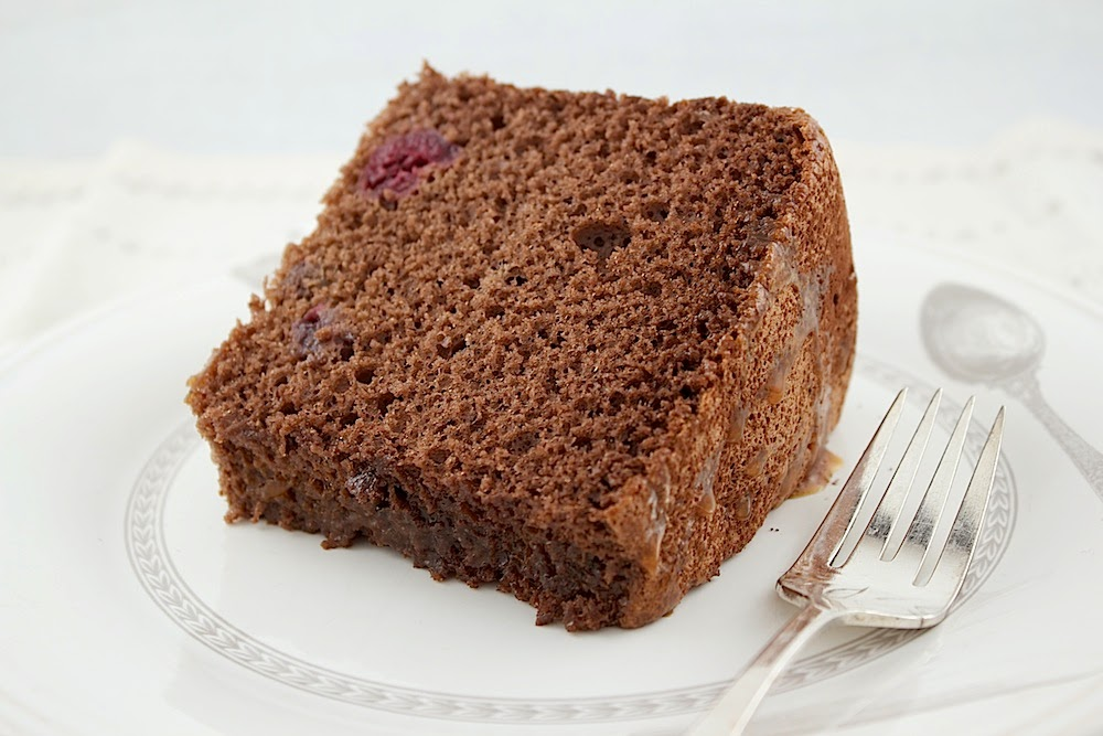 Chocolate sponge cake recipes dishmaps for Chocolate sponge ingredients