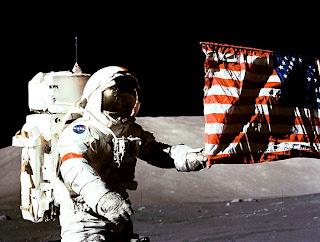 fotos de astronauta na lua USA