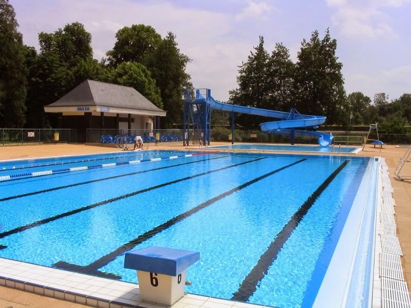 Vouvray inside mise aux normes de la piscine a va for Norme piscine