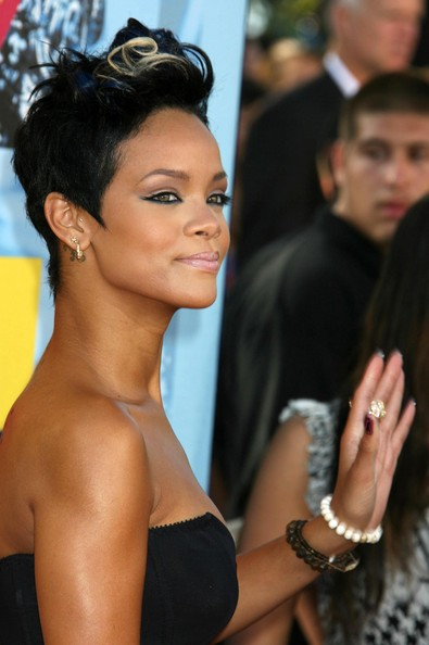 rihanna haircuts 2011. New Long Hairstyles 2011: Punk