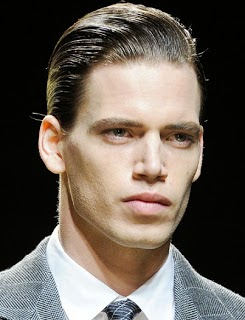 Peinados casuales y modernos elegante estilo de pelo for Peinado hacia atras hombre