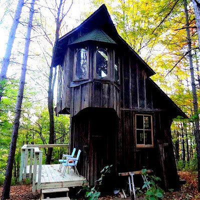 The flying tortoise zinta aistars gorgeous little rustic cottage on the hill - House on the hill 2012 ...
