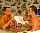Malhados transando bastante na banheira