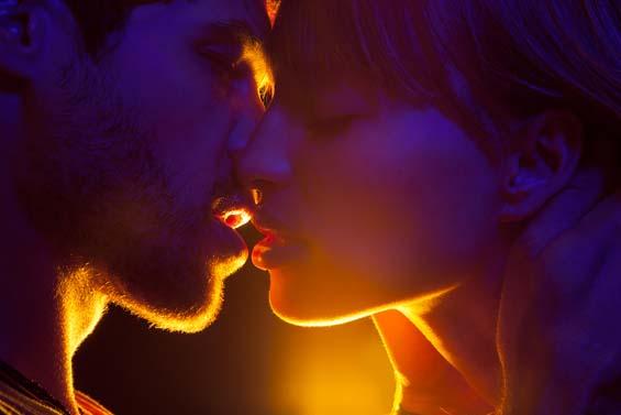 Maggie West fotografia fashion arte sensualidade intimidade beijos kiss romance ternura sexualidade