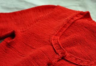 sweterek z włóczki yarn art jeans