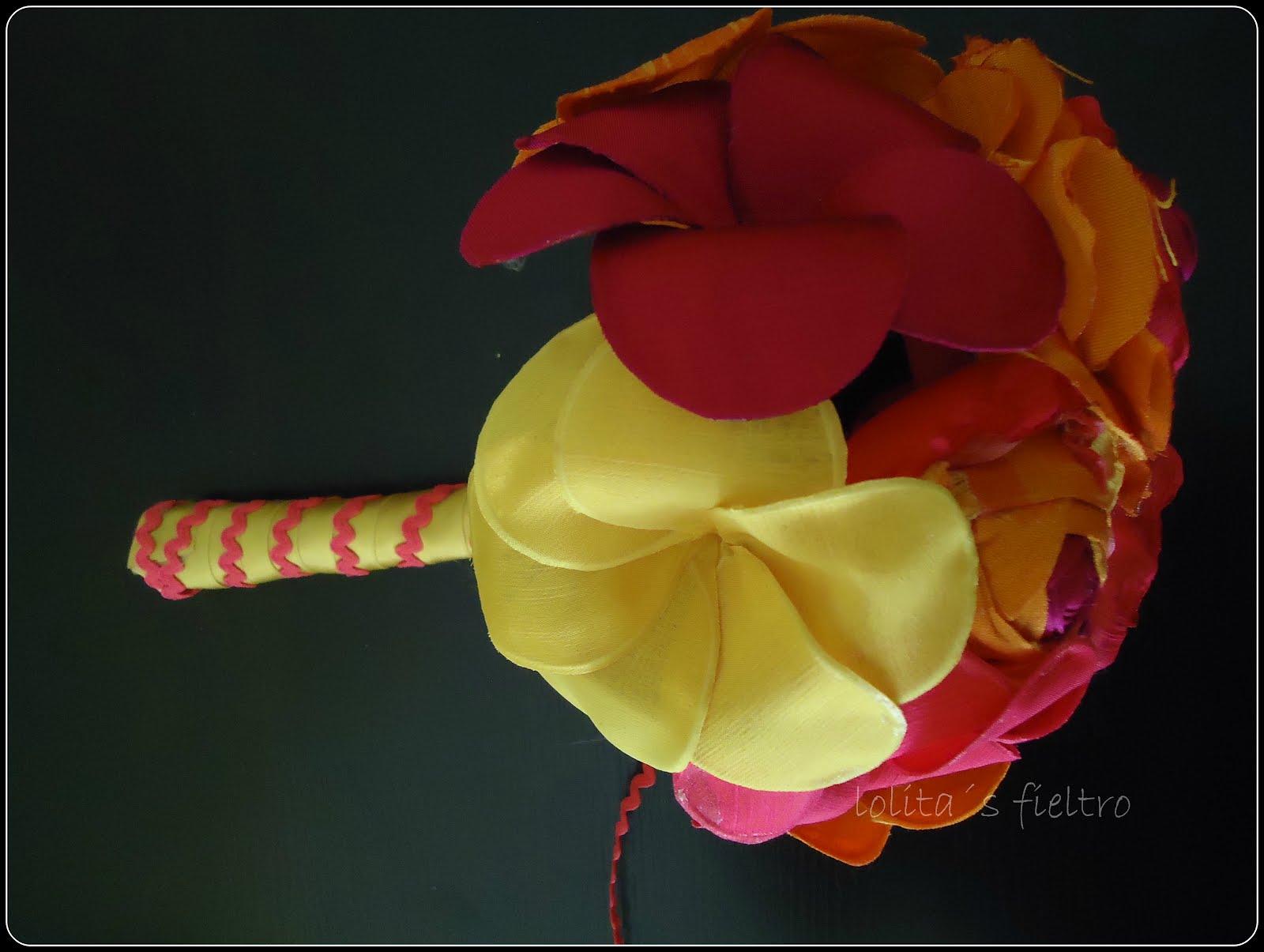 Imagenes De Flores En Fieltro - * Mi Casa Inventada *: Cojines con flores en fieltro