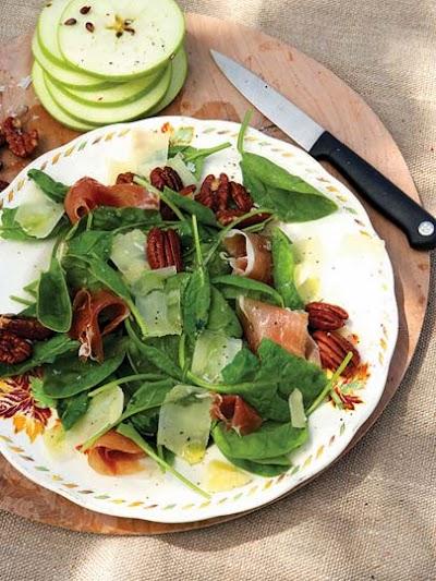 Elmalı Ispanak Salatası
