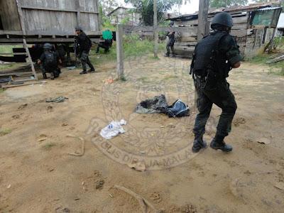 VAT 69 Komando Dalam Misi Mencari dan Mengeledah